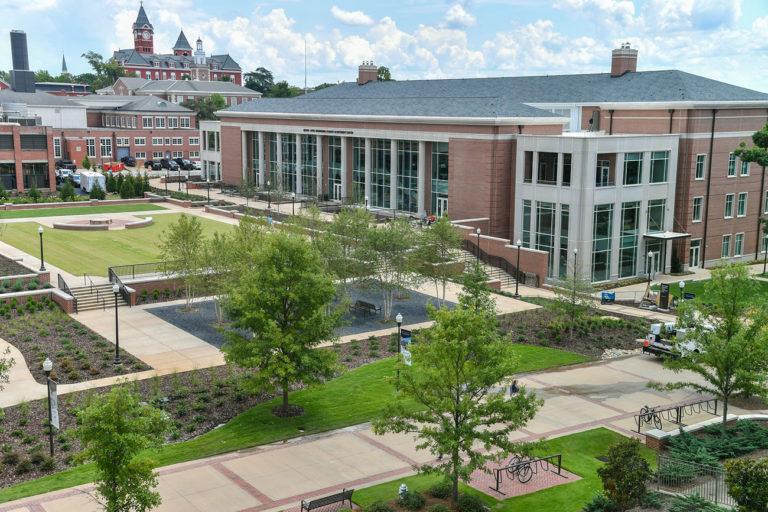 Biggest Gift in Auburn History Christens New Engineering Center