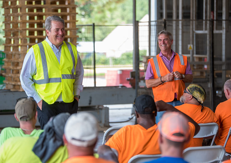 Biggest U.S. Pallet Maker Adds Bay Wood to its Stack